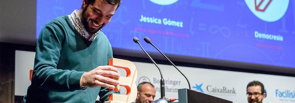 Ignacio Pou tras recibir el premio Bitácoras a mejor blog de opinión.