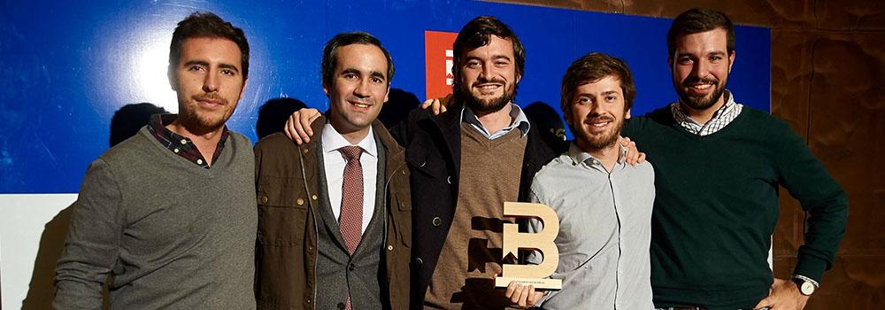 Ignacio Pou con parte del equipo de 'Democresía' que estuvo presente en la gala. | Autor: Democresía.