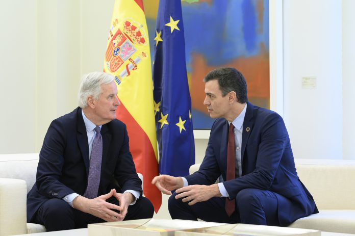 Pedro Sánchez, junto al jefe de la Unión Europea para el