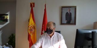 Antonio Zapatero, en su despacho durante la entrevista. Foto: Eva Mallo.
